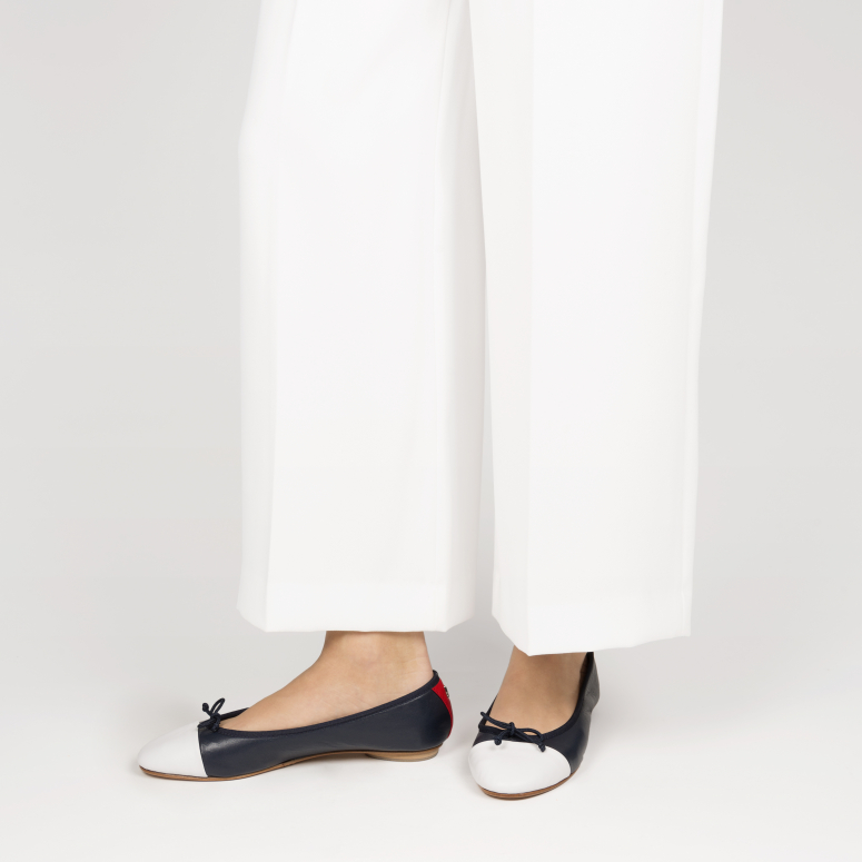 Daily foldable cap-toe Ballerinas in Smooth Leather marine-blanc