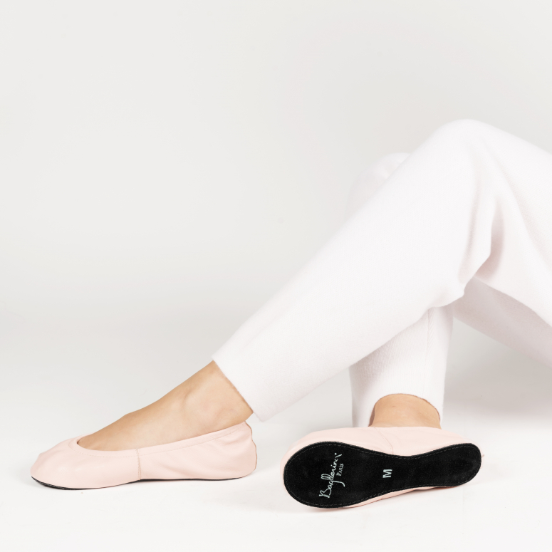 Cocoon foldable indoor shoes